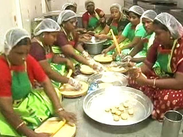 Video : Ahead of elections, a <i>chapati</i> sale in Amma canteen