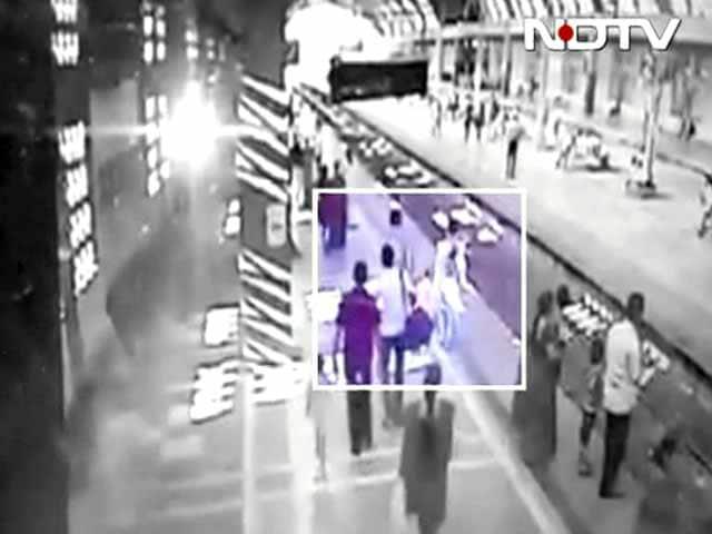 Videos : नवी मुंबई : कैमरे में कैद हुए बच्चे के किडनैपर्स