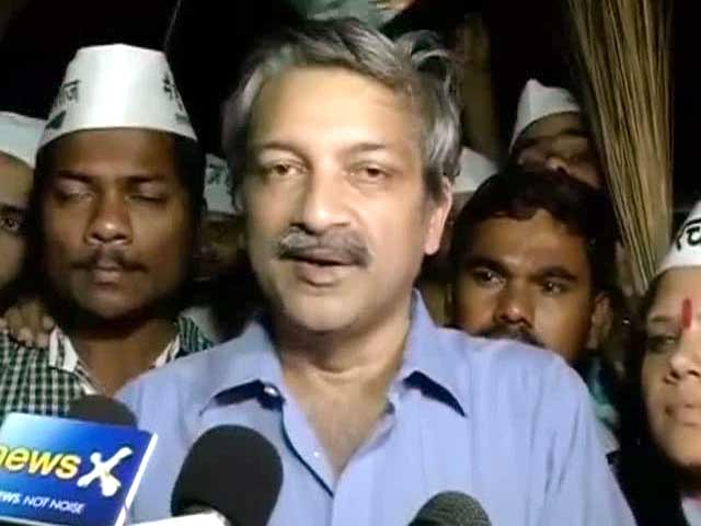 Video : AAP protests in Mumbai after NCP workers vandalise office; Mayank Gandhi detained