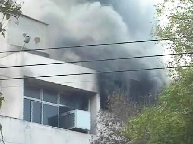 Video : Fire breaks out in IIT-Delhi hostel; explosions heard