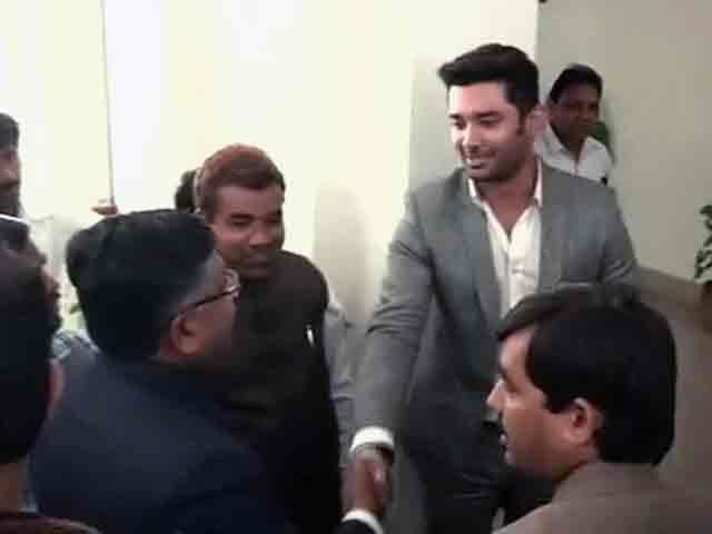 Videos : बीजेपी-एलजेपी गठबंधन तय, पासवान से मिले बीजेपी नेता