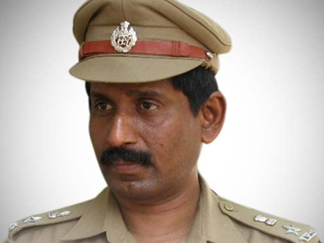 Video : Indian Premier League scandal: IPS officer G. Sampath Kumar, who named MS Dhoni, suspended