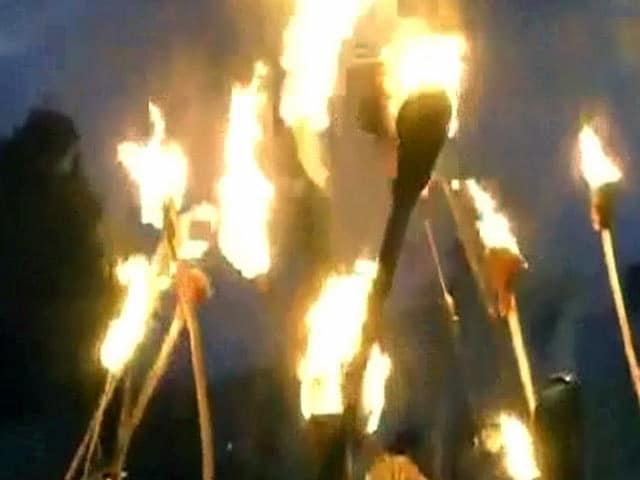 Videos : बिहार में जेडीयू ने निकाला मशाल जुलूस