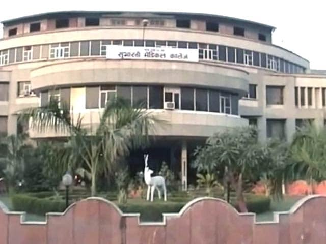 Video : Meerut: 67 students suspended for cheering Pakistan in cricket match