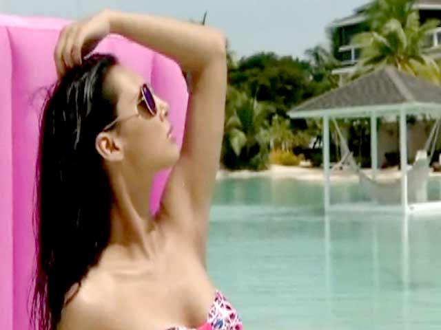 Video : Brace yourself for Kingfisher Calendar 2014 closing episodes