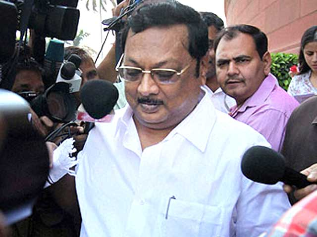 Video : DMK chief's son, Alagiri, refused a ticket by his father