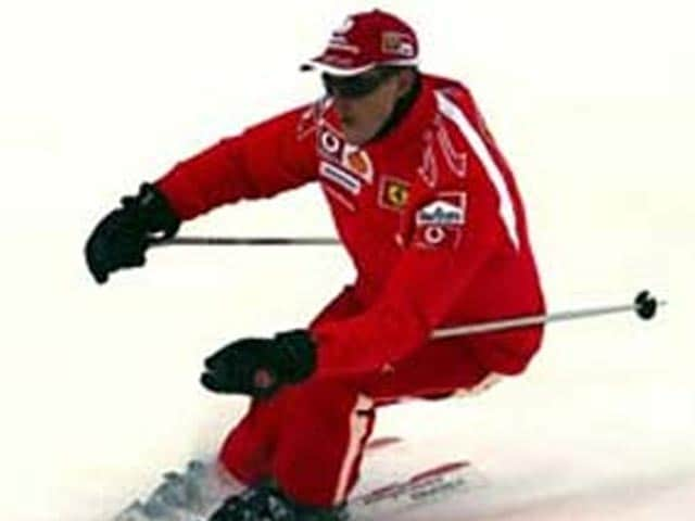 Video : Michael Schumacher showing 'small signs' of improvement