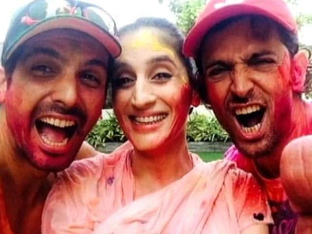 Video : Hrithik spends Holi with Sussanne's family