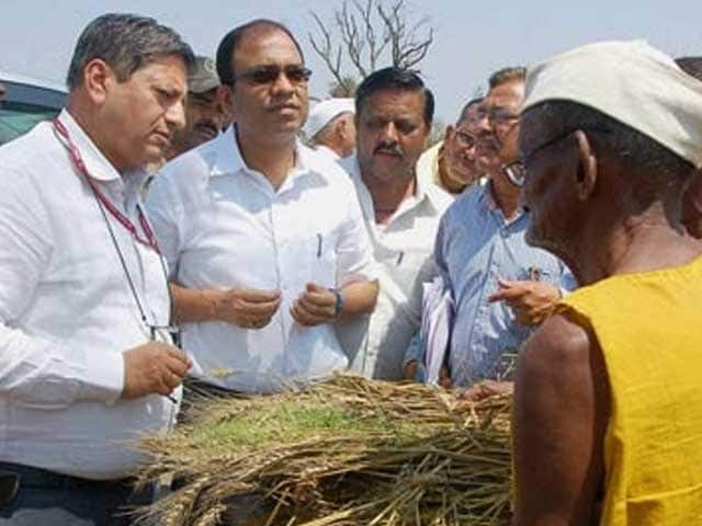 Video : Farmer suicides: Maharashtra government announces Rs. 4000 crore package