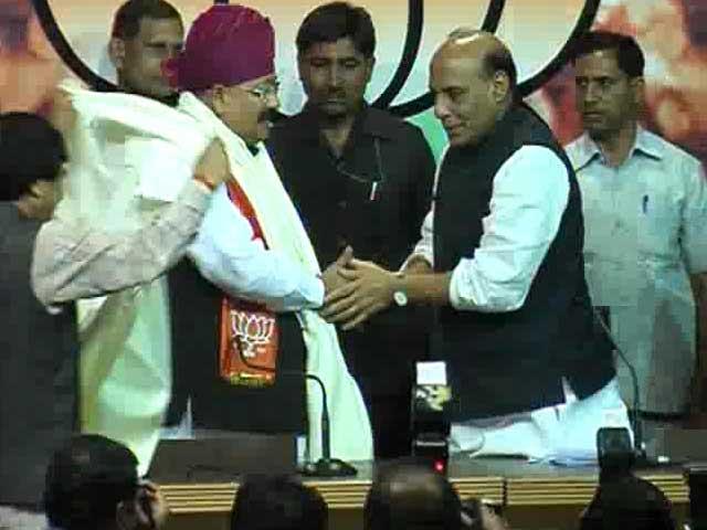 Videos : कांग्रेस छोड़ बीजेपी में शामिल हुए सतपाल महाराज