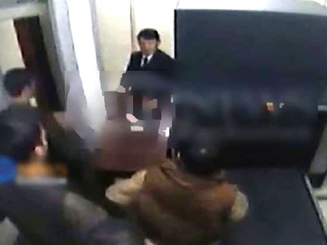 Video : Kabul hotel attack: gunmen were searched twice, CCTV video shows