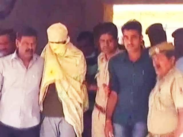 Videos : इंडिया नौ बजे : आईएम के चार आतंकी गिरफ्तार
