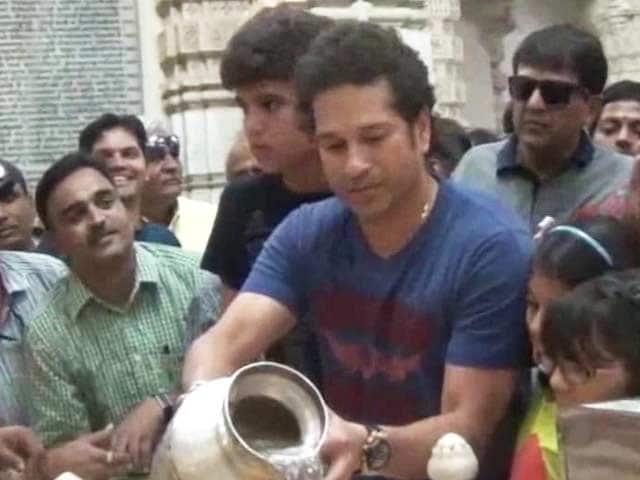 Video : Sachin Tendulkar takes family to Gir, Somnath temple