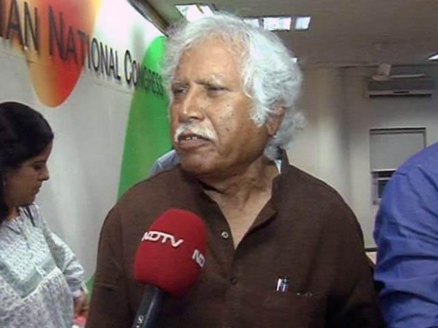 Video : In Vadodara, Narendra Modi faces senior Congress leader Madhusudan Mistry