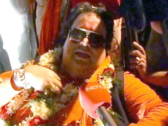 Video : Bappi Lahiri in a new avatar