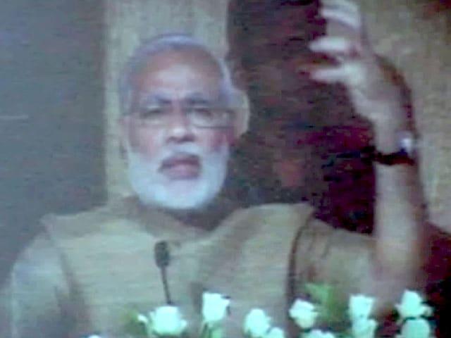 Videos : चुनाव प्रचार में नरेंद्र मोदी का डिजीटल अवतार
