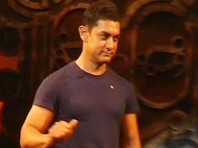 Video : Aamir mulls over two new films