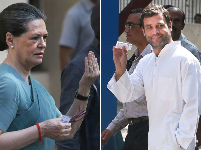 Video : Sonia, Rahul Gandhi among early voters in Delhi
