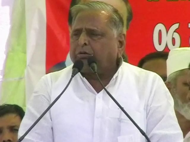 Video : Mulayam's shocker on rape: Boys make mistakes, why hang them?