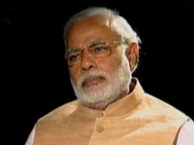 Video : Modi sidesteps apology for riots, says Congress must account for sins first