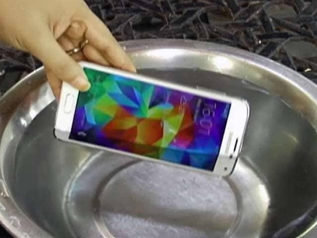 Video : क्या सैमसंग गैलेक्सी एस5 है दुनिया का सबसे अच्छा स्मार्टफोन?