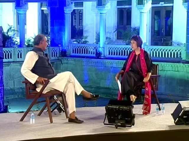 Video : Watch: Dare Arun Jaitley to file FIR against Robert Vadra, Digvijaya Singh tells NDTV