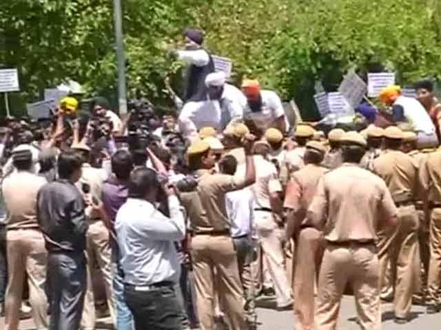 Video : Large protests over Captain Amarinder Singh's remarks on Jagdish Tytler to NDTV