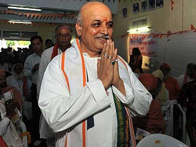 Video : Remarks on Muslims by Pravin Togadia, VHP, trigger new controversy