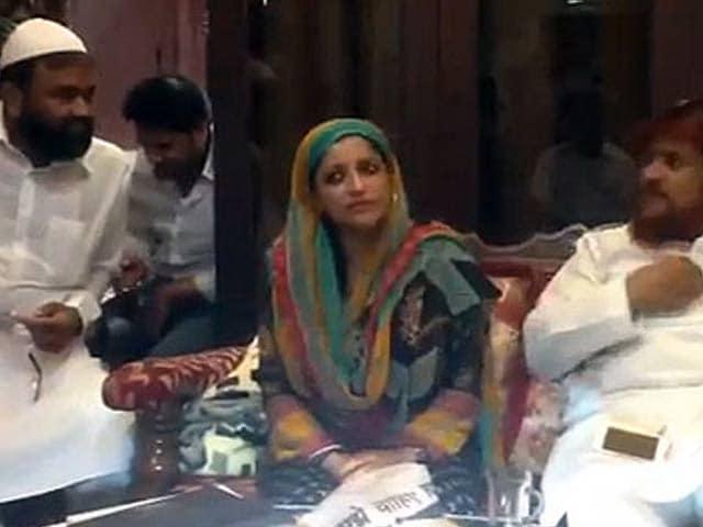 Videos : आप नेता शाजिया इल्मी का विवादित वीडियो यू-ट्यूब पर