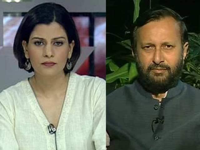 Video : Watch: Priyanka Gandhi takes on Narendra Modi