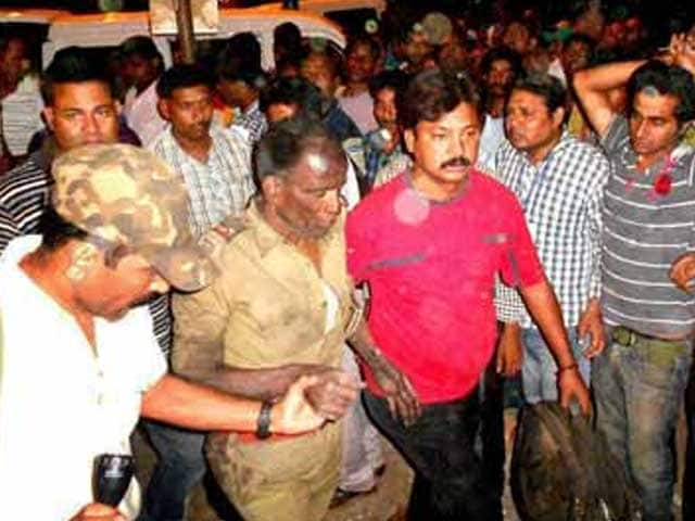 Video : 8 of polling team killed in Maoist attack: Jharkhand top cop admits mistakes