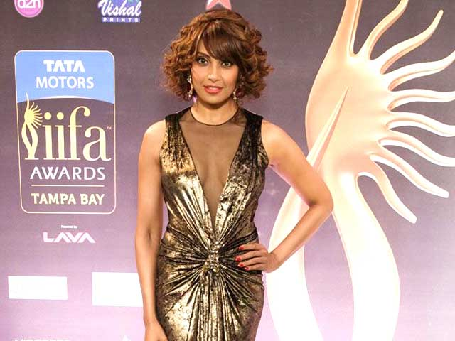 Video : IIFA 2014: Bipasha shows Florida how to be fit and fabulous