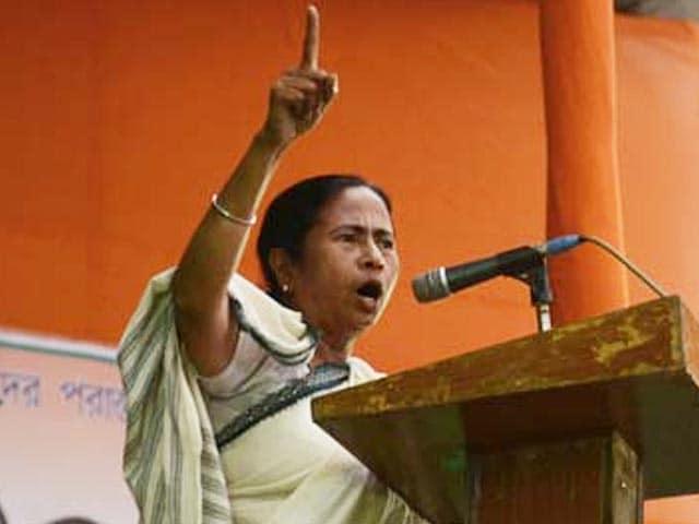 Video : Mamata Banerjee calls Narendra Modi 'architect of riots', rejects his 'gyan'