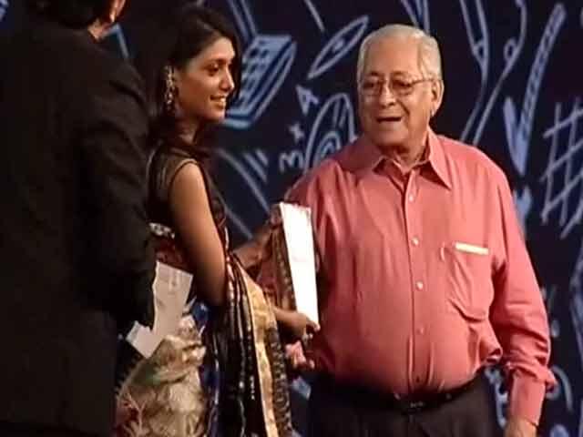 Video : Young Philanthropist of the Year: Roshni Nadar