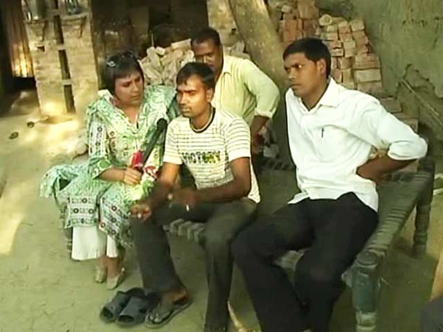 Video : Amethi <i>Chai Stop</i>: Tough Questions for the Gandhis