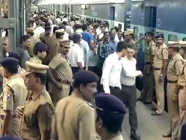 Videos : चेन्नई रेलवे स्टेशन पर दो धमाके, एक की मौत, नौ घायल