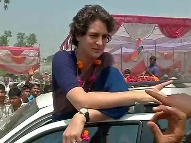 Video : How Priyanka Gandhi Gave Her Security the Slip