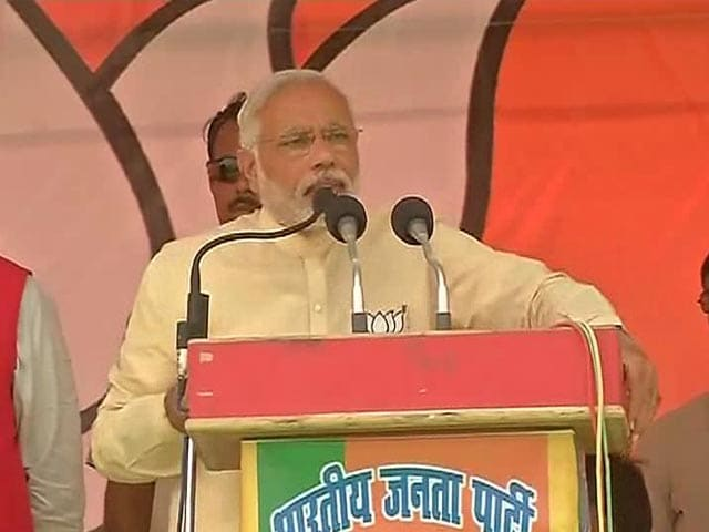 Video : Watch: Narendra Modi's 'Caste' Comeback for Priyanka's 'Neech Rajniti' Comment