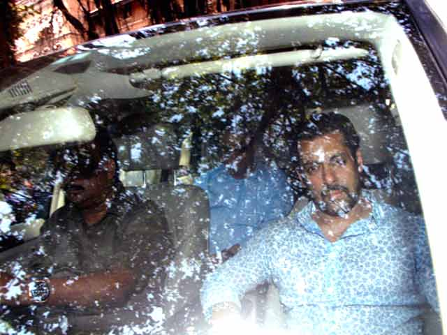 Video : Saw Salman Khan Getting Out of Driver's Side: 2002 Hit-&-Run Witness