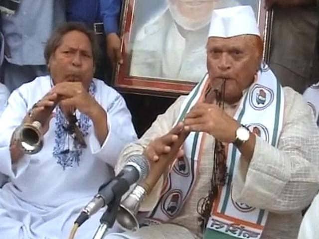 Video : Bismillah Khan's Family Joins Rahul Gandhi's Roadshow