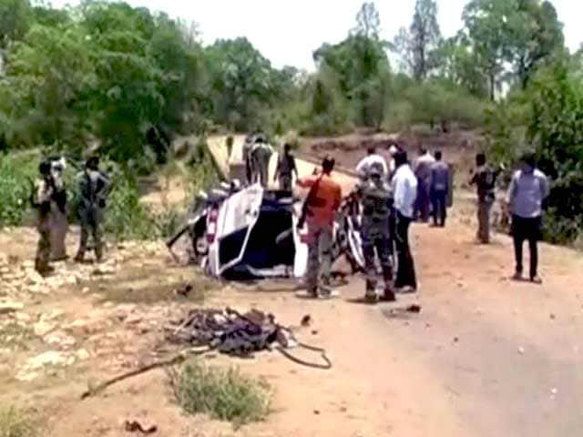 Videos : गढ़चिरौली में नक्सली हमले में सात पुलिसकर्मी शहीद