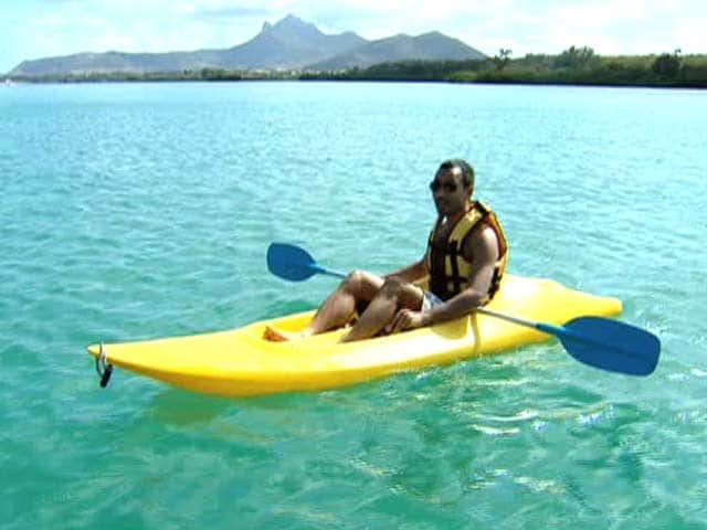 Video : Join Rasik Chopra as he Does Kayaking in Beautiful Mauritius