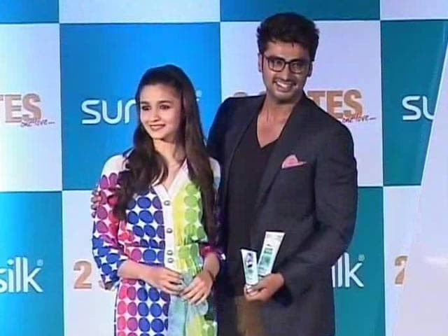 Video : <i>2 States</i> Stars Join the 100 Crore Club
