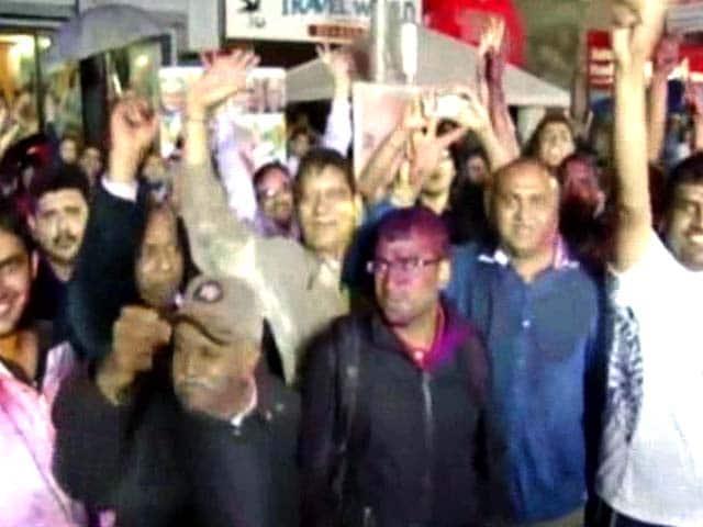 Video : 'Holi' in New Jersey After Narendra Modi's big win