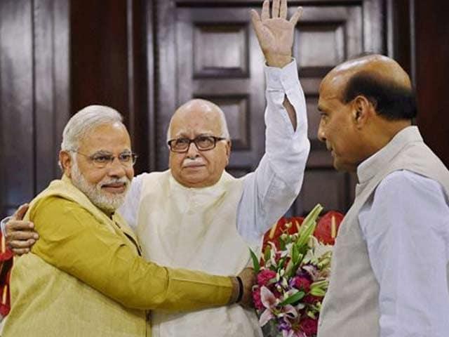Video : Narendra Modi for PM: Advani Proposes, BJP Makes It Official