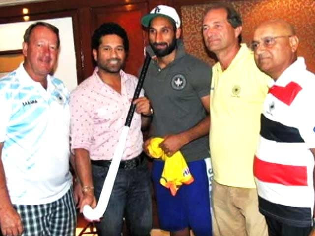 Video : Sachin Tendulkar Motivates Indian Hockey Team Before World Cup