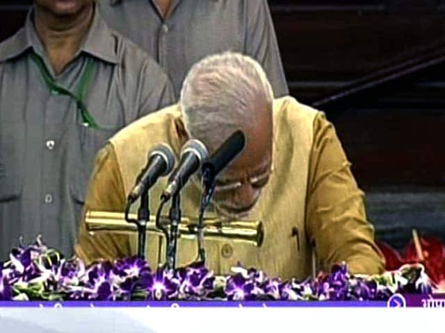 Video : Narendra Modi Fights Back Tears in First Speech In Parliament House