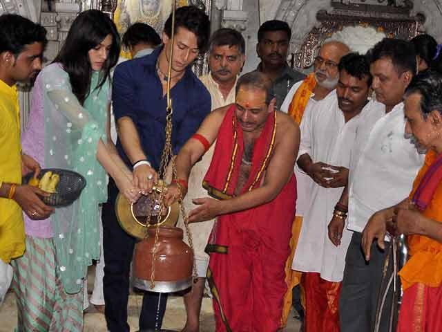 Video : Tiger and Kriti Visit Shiva Temple