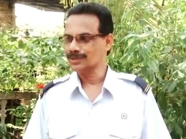 Video : The New Railway Minister's Brother is a Station Master in Karnataka