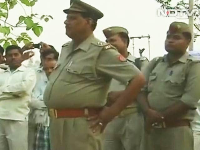 Video : Two Teen Sisters Allegedly Gang-Raped, Hanged From Tree in UP